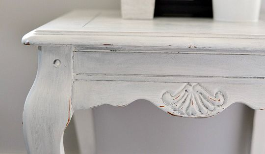 DIY-Shabby-Chic-End-Table-with-DIY-Chalk-Paint-and-Dark-Metallic-Wax-2-1024x682.jpg